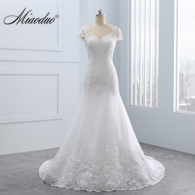 Short Lace Backless Wedding Dresses Mermaid Appliques Pearls Wedding Gown Custom Size Wedding Dress
