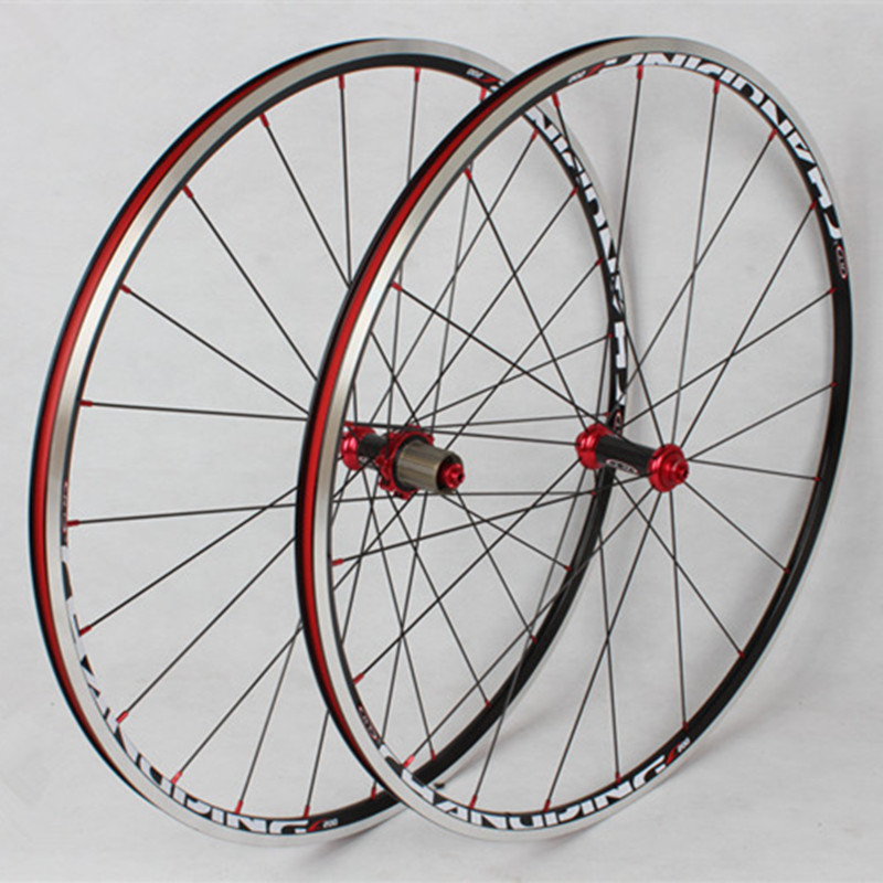 MEROCA Road Bike Bicycle 700C Sealed Bearing Carbon Fiber 6 Claws Wheels Wheelset Rim 11 speed support 1600gMEROCA Road Bike Bicycle 700C Sealed Bearing Carbon Fiber 6 Claws Wheels Wheelset Rim 11 speed support 1600g