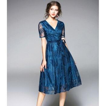 5d912f874f9 Primavera Verano moda señora Vestido de manga corta Sexy v-cuello de alta  cintura bordado de lujo Formal vestido de encaje rojo azul