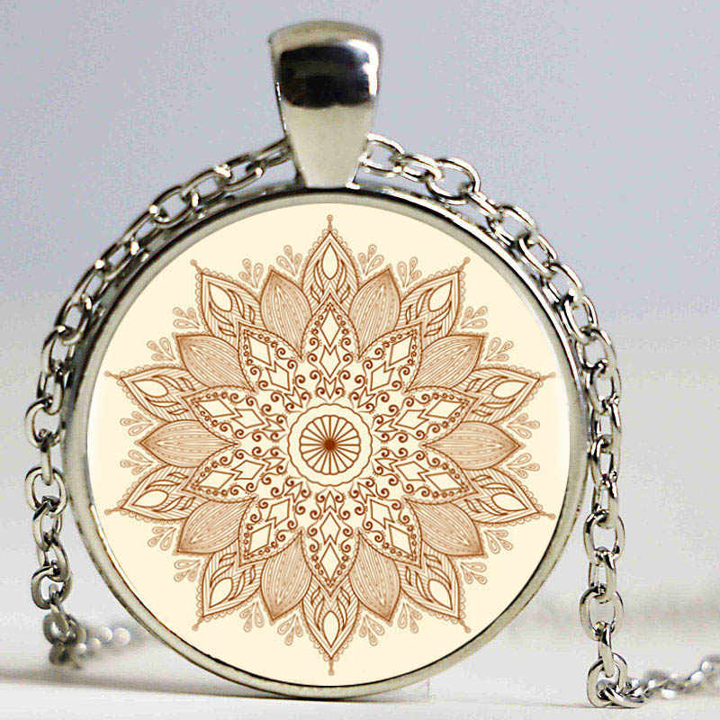 Coperta di Zona di nuovo Modo Della Collana Del Fiore Del Cuore Tatuaggio con fiori Gioielli In Vetro di Illustrazioni Collana