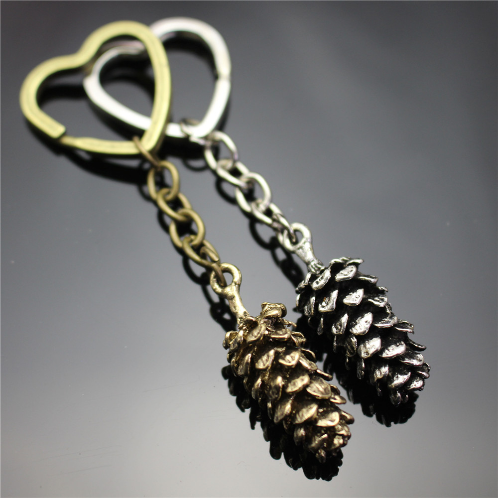 New Fashion Love Key Chain Big Solid Alloy Pine Cone Pendant Lifelike Effect Heart Shape Keyring Children's Gift 2 Colors
