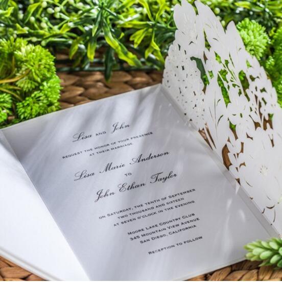 ФОТО 50pcs/pack Laser Cut Wedding Invitations Cards White Elegant Invitation Card Free Printable Inner Sheet Party Supply