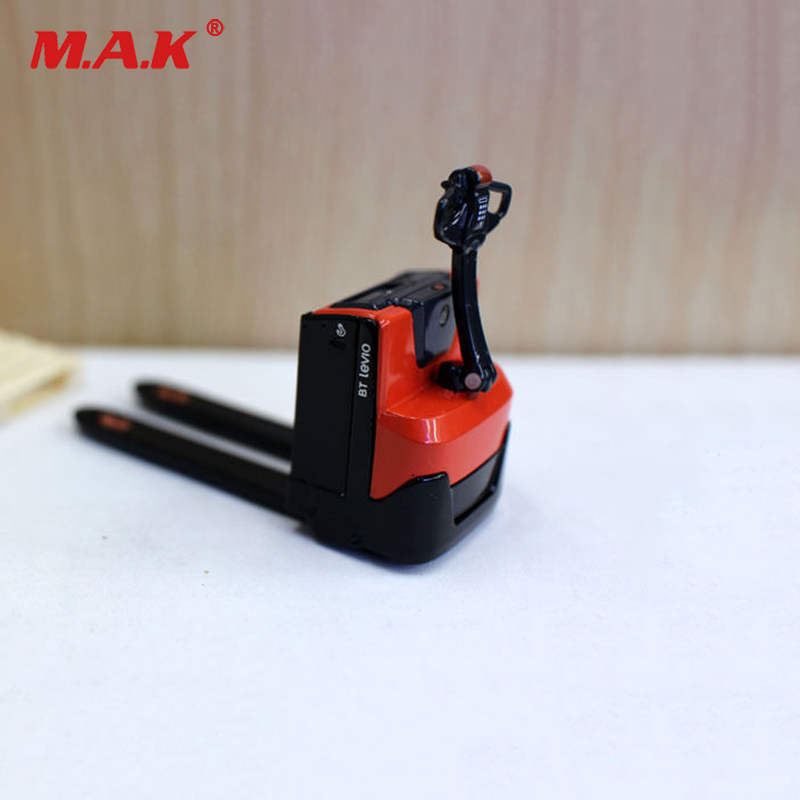 Collection Diecast 1/24 Scale 1:24 Diecast BT Levio Forklift Red Electric Pallet Truck Car Vehicles Diecast Model collection diecast 1 50 scale m318f wheeled diecast excavator truck car vehicles diecast model