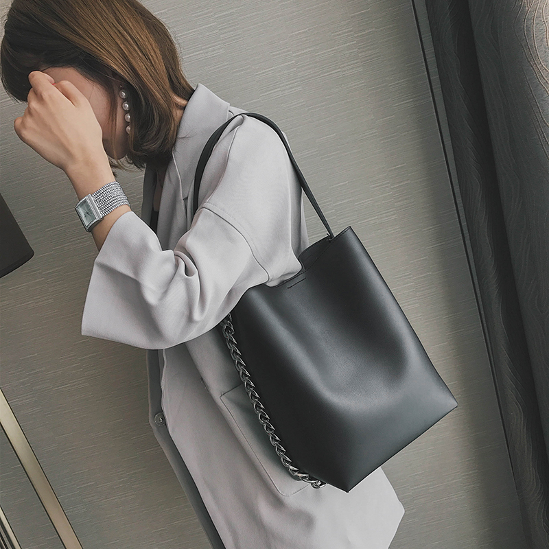 LEFTSID Women Hand Bags Shoulder Bag Large Capacity Chain Bucket Brand Handbags Quality PU leather Female Totes Shopping Bag women wide shoulder strap leather handbag shoulder bag bucket chunky chain bag winter 2017 new female purse hand bags