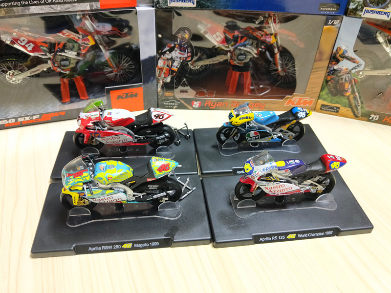 1:18 Scale VALENTINO ROSSI No.46 Motorcycle Diecast Aprilia 1996 1997 1998 Collection Toys Model for Children