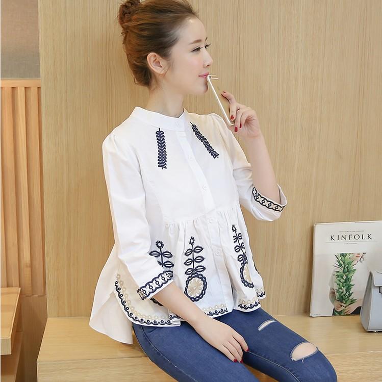 e9339ff7549c 2019 verano nuevo bordado blusa de las mujeres y camisas de algodón suelto  blanco elegante dama ...