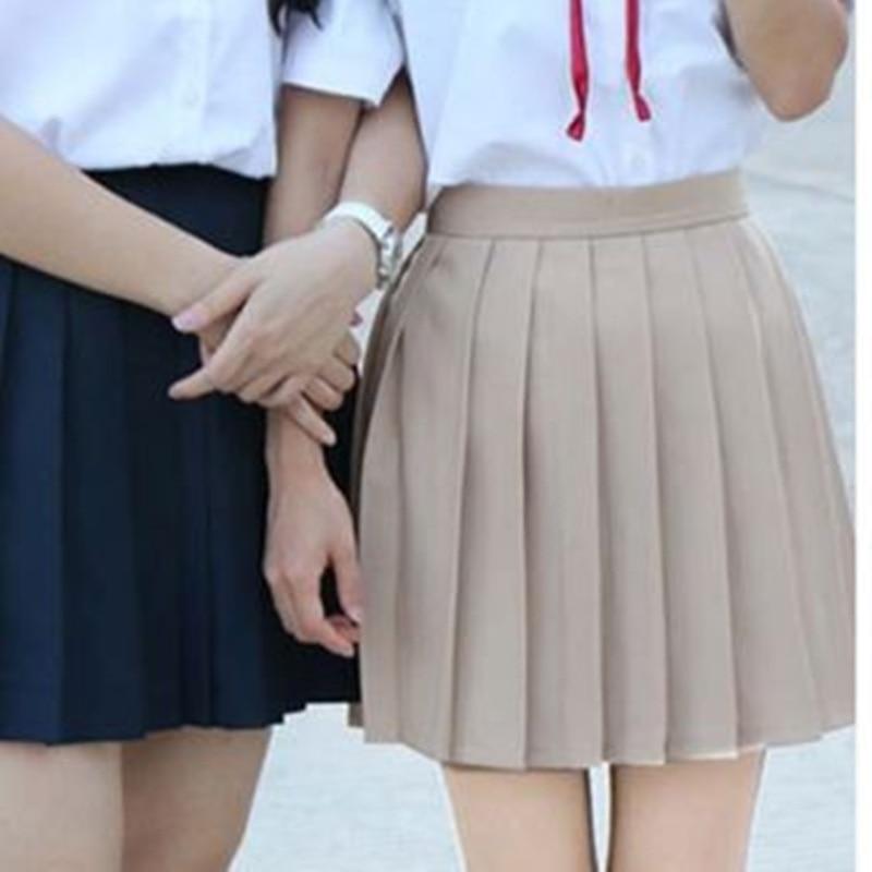 Фото в школе у девочек под юбкой фото 690-317