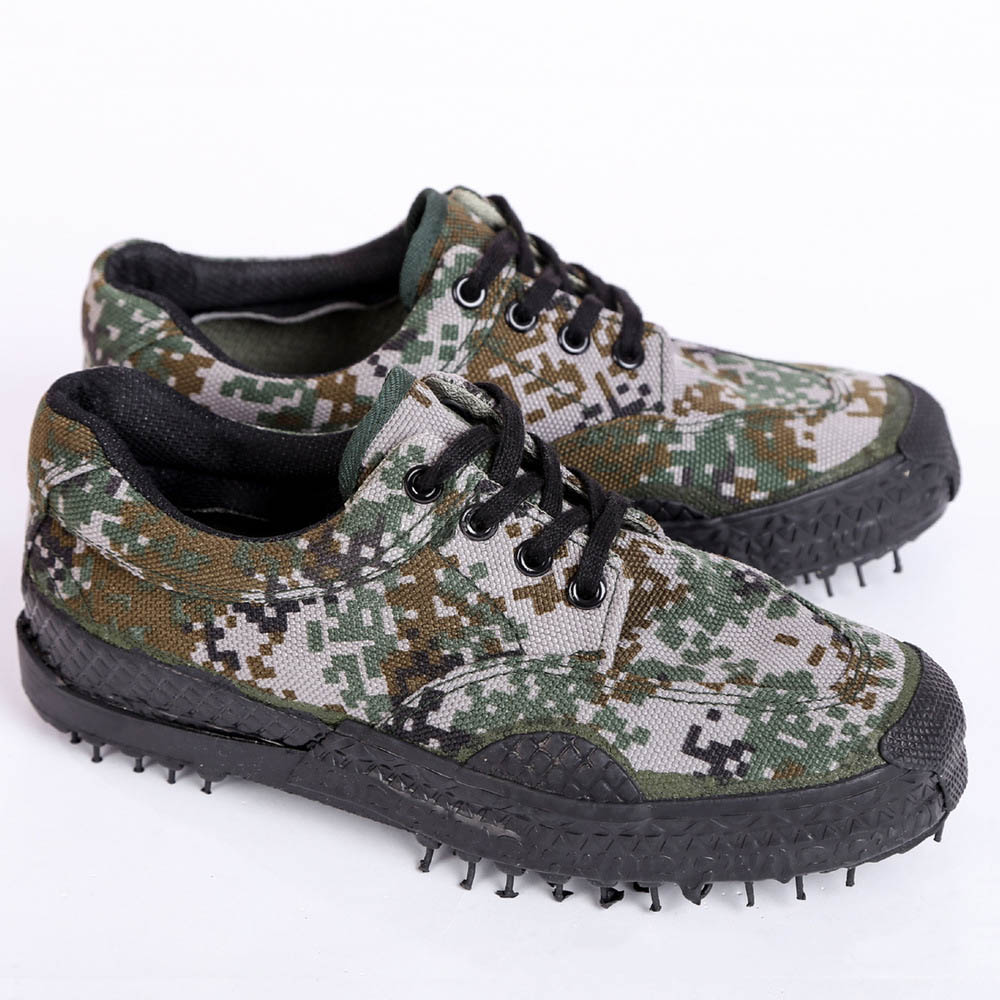 f54ccbd6e7af7 Camo Safety Shoes Military Style Antiskid Wear resistant Men Women Jungle  Training Shoes Labor protection Field