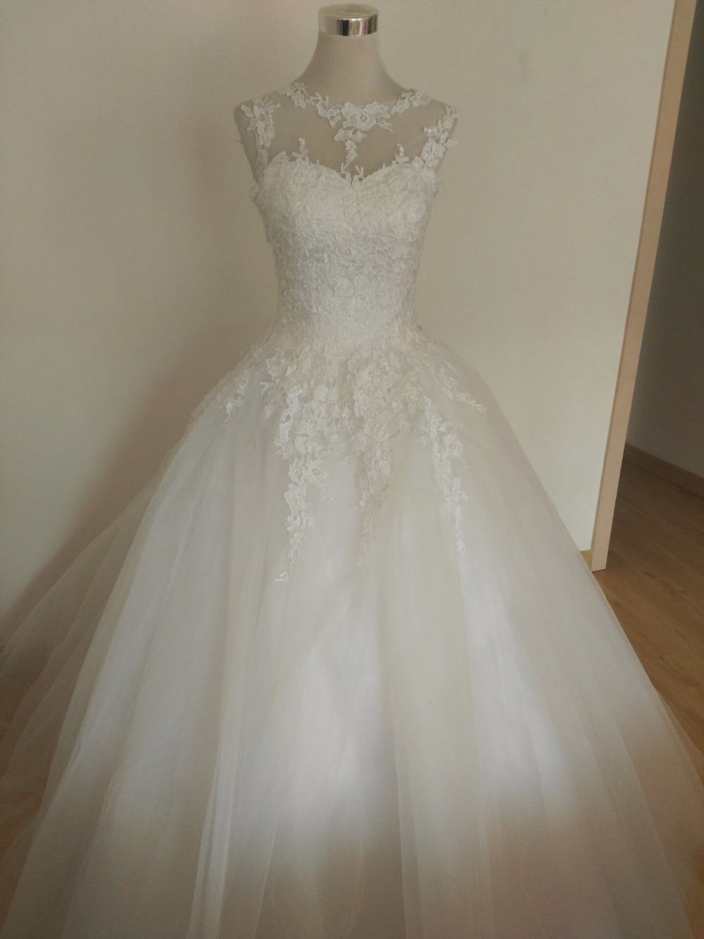 Buy 9036 2016 tulle lace white ivory for Lace white wedding dress