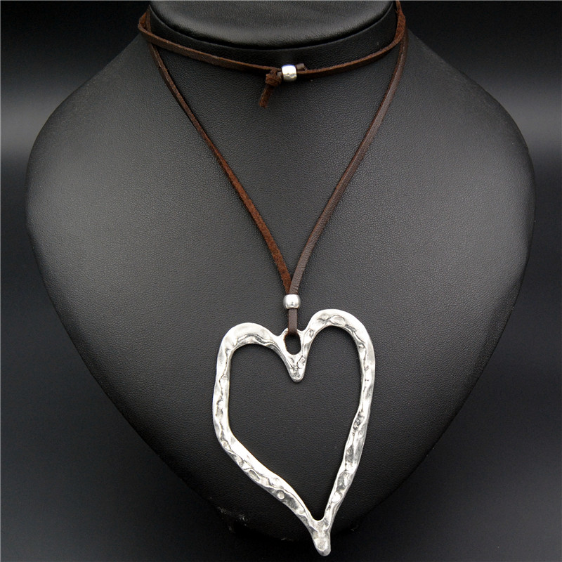1pc Zinc Alloy Hollow Heart Shape Leaf Charms Necklace Carved Pendant Suede Leather Diy Jewelry