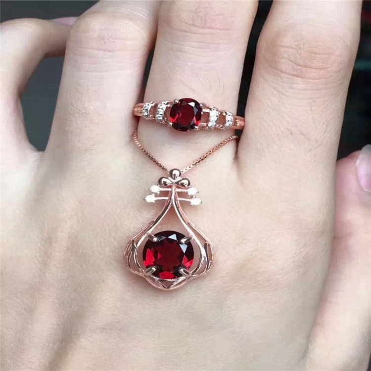 S925 Sterling Silver Garnet Ring Necklace Pendant Brazil garnet setS925 Sterling Silver Garnet Ring Necklace Pendant Brazil garnet set