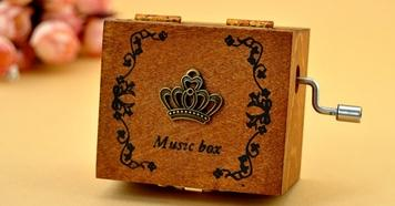 Hot Selling Creative Retro Wooden Music Box Gift Ideas Birthday Gifts For Boys And