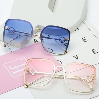b6eb99a32b 2019 nuevas gafas de sol elegantes de mujer de ojo de gato de diseñador de  marca Italia F ashion Squae gafas de sol para mujer gafas de gradiente