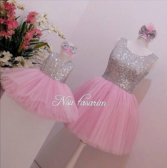 Gorgeous pink tulle puffy baby girl tutu dress with bow bling bling sequins infant 1st birthday party outfitsGorgeous pink tulle puffy baby girl tutu dress with bow bling bling sequins infant 1st birthday party outfits