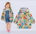 Красивый малыш, детские девушки/девушки цветочный куртка, весна куртка размер 9 М до 4Y, водонепроницаемый и ветрозащитный плащ