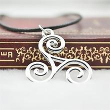 Jewelry Women Necklace Symbol Spiral-Pendant-Trinity Celtics Teen Wolf Triskele Argent
