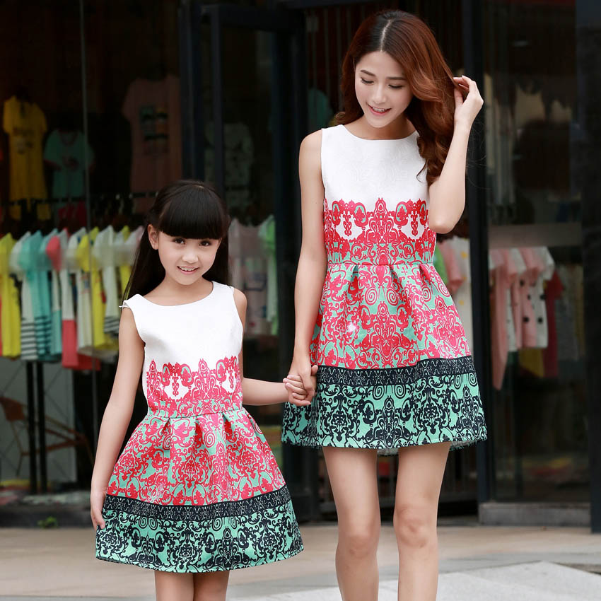 Family Matching Outfits Mother Daughter Summer Cartoon Flowers Print Cotton Dresses  Family Look Mom Baby Girls Clothes vestidos-in Matching Family Outfits ... eb4abb0c4c56