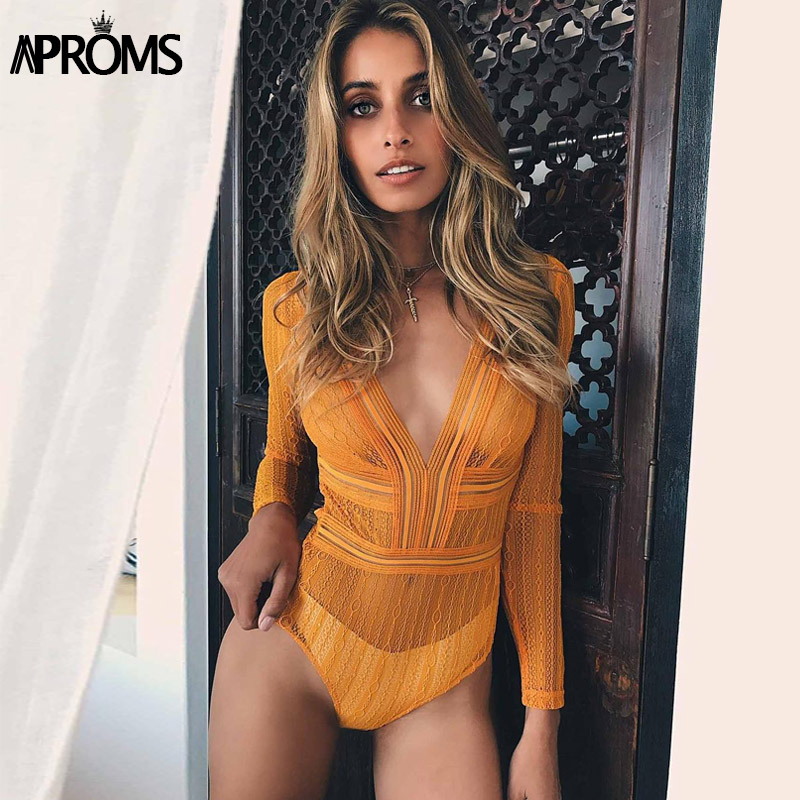 Aproms Profonde V cou Dentelle Maille Crochet Body Femmes Slim Fit Barboteuse Salopette Sexy High Street Combinaisons Hauts pour Femmes vêtements
