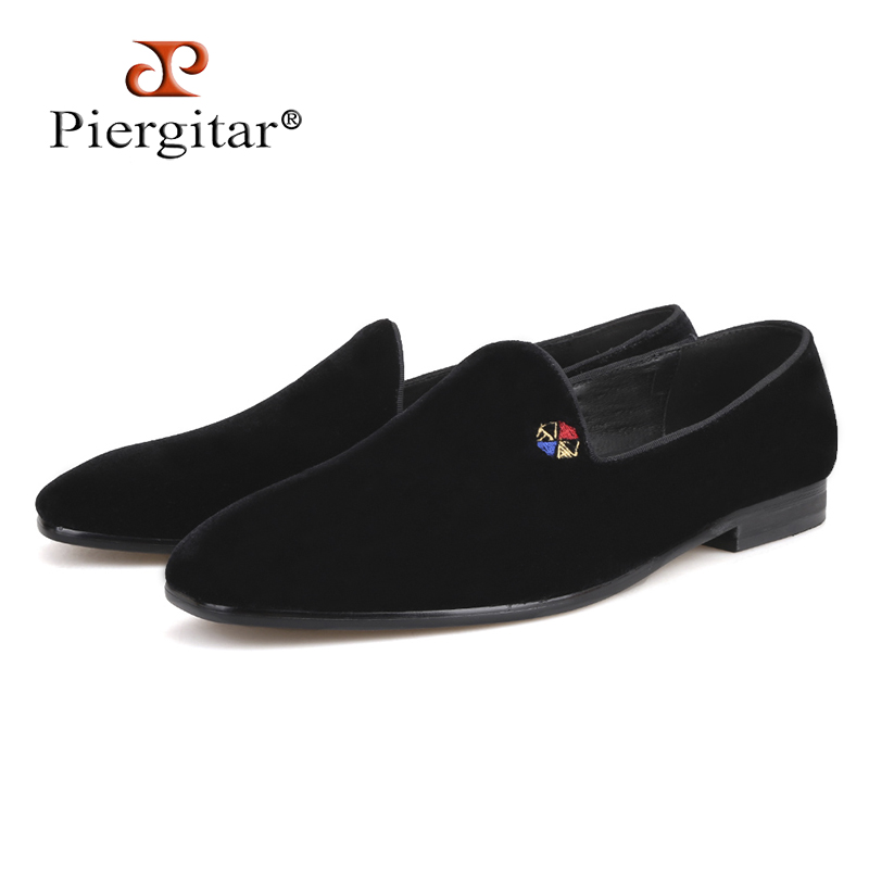 Piergitar 2018 new style fashion men loafers with small embroidery handmade men velvet shoes party and wedding men's flat цена