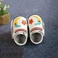 Dibujos animados 3 colores diseño genuino de bebé de cuero mocasín de los muchachos primero Walker zapatos de los bebés suave Bebek patik
