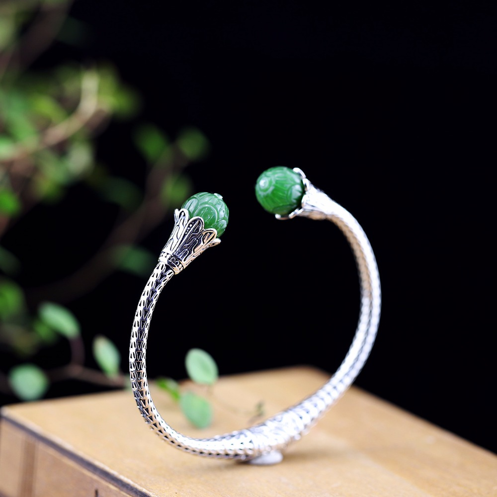 Hot Sale National Style Green Gems Bracelet Thai Silver Bangle S925 Pure Silver Bracelet Classic Silver Beautiful Bracelets Hot Sale National Style Green Gems Bracelet Thai Silver Bangle S925 Pure Silver Bracelet Classic Silver Beautiful Bracelets