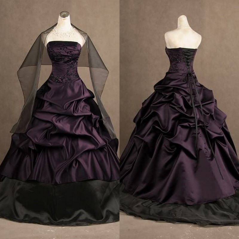Classic Black and Purple Gothic Wedding Dresses Strapless Ruched Ball Gowns Satin Corset Bridal Gowns with