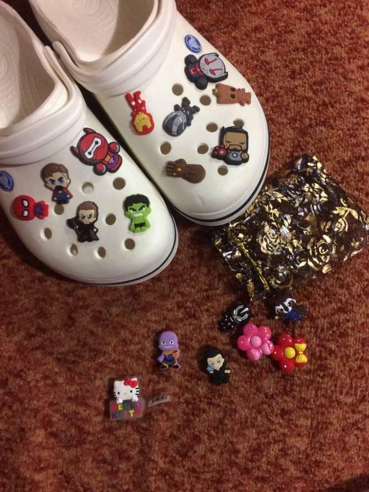 15-26pcs Mickey PVC รองเท้า Charms Avenger GOT รองเท้าอุปกรณ์เสริมหัวเข็มขัดสำหรับสายรัดข้อมือกระเป๋า Croc Charm ตัวอักษร JIBZ เด็กของขวัญ