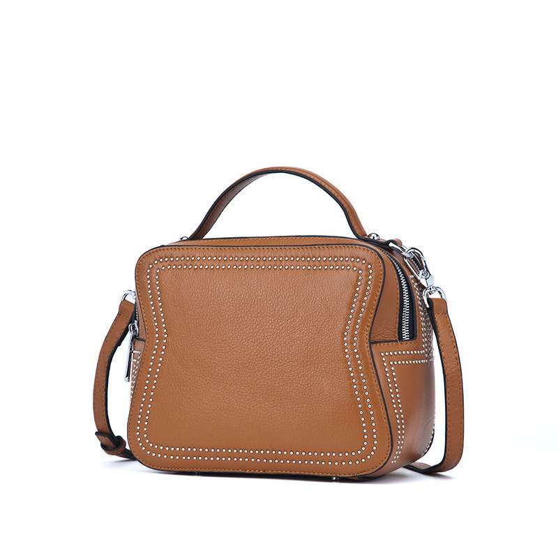 In the autumn of 2017 new leather bags and head layer cowhide portable shoulder diagonal fashion bag factory outlet qiaobao 2018 new korean version of the first layer of women s leather packet messenger bag female shoulder diagonal cross bag
