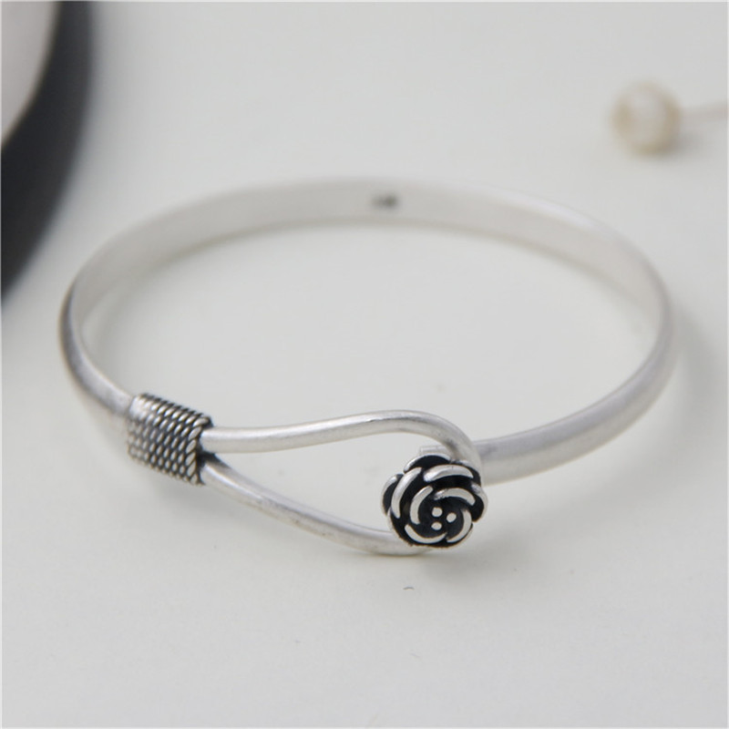 все цены на JINSE Wholesale S990 Sterling Silver Bracelet Bangle Exquisite Flower Shape Bangle Hand Decorated 5mm 18.70G TYC072