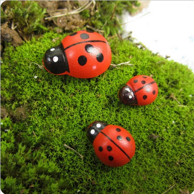 10pcs Artificial Wooden Beetle Cartoon Mini Seven Star Ladybug Moss Micro Landscape Art Decoration DIY Garden Plant Decoration