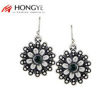 цены на Free Shipping Min Order $10 (Mix Order) 2014 New Fashion Women Vintage Green Rhinestone Flower Shape Drop Earrings Jewelry  в интернет-магазинах