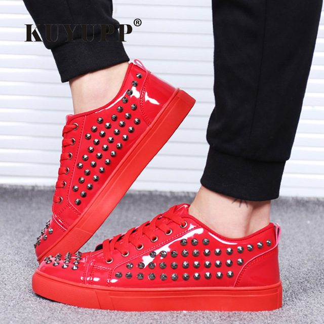Fashion Patent Leather Men's Loubuten Shoes Zapatillas Superstar Casual Low Top Rivets Men Shoes Size 39-44 Round Toe Flats F13