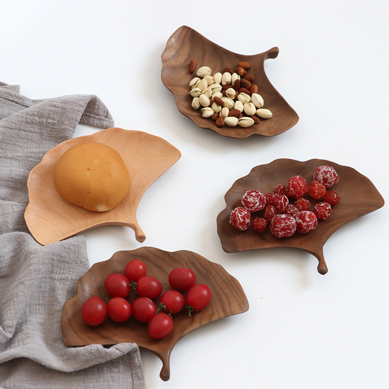 High quality Romantic Ginkgo Leaf Shape Plate Walnut Handmade Unique Decorative Plate Fruit Nuts Storage Tea Tray wood salver