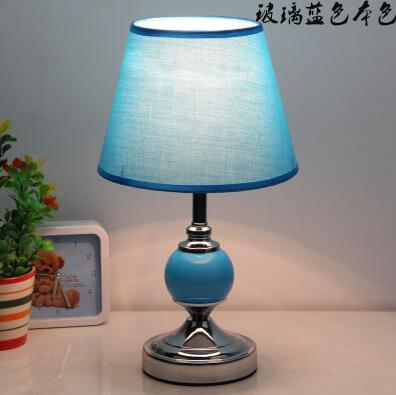 2017 new iron and contracted table lights Italian wooden table light Dinning lamp Simple beautiful Table Lamps FG281