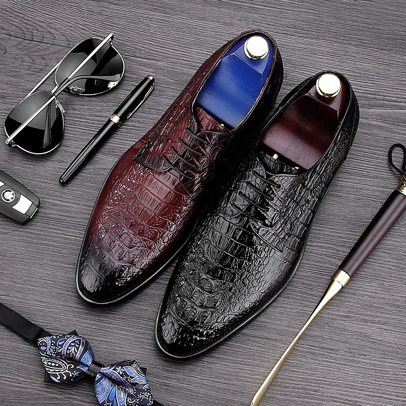 luxury round toe breathable man formal dress shoes genuine leather derby carved oxfords famous men s bridal wedding flats gd78 2017 New Luxury Carved Pointed Toe Man Formal Dress Shoes Genuine Leather Alligator Brogue Oxfords Men's Wedding Footwear NE12