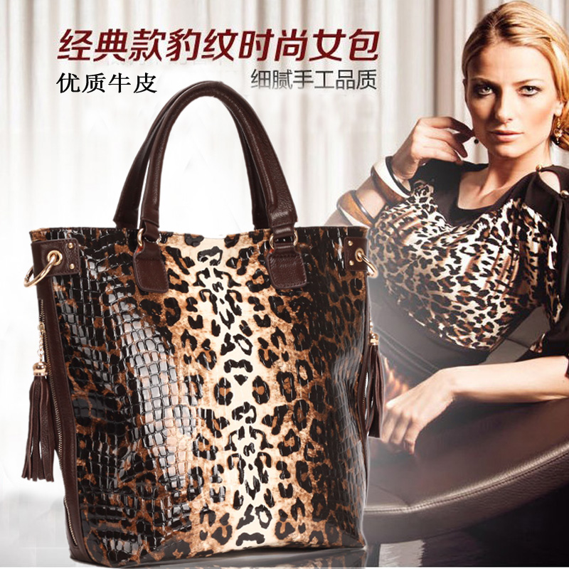 free shipping Leopard grain leather handbag hand bill of lading shoulder bag high-capacity head layer cowhide lady bags the new leather ladies bags fashion trend in hand the bill of lading shoulder bucket bag handbag free postage