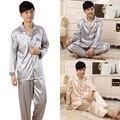Nuevo Estilo de Los Hombres Pijamas Pijama de Seda del Faux Masculino Hombres Homewear Camisones De Raso Pijamas 2 Unids
