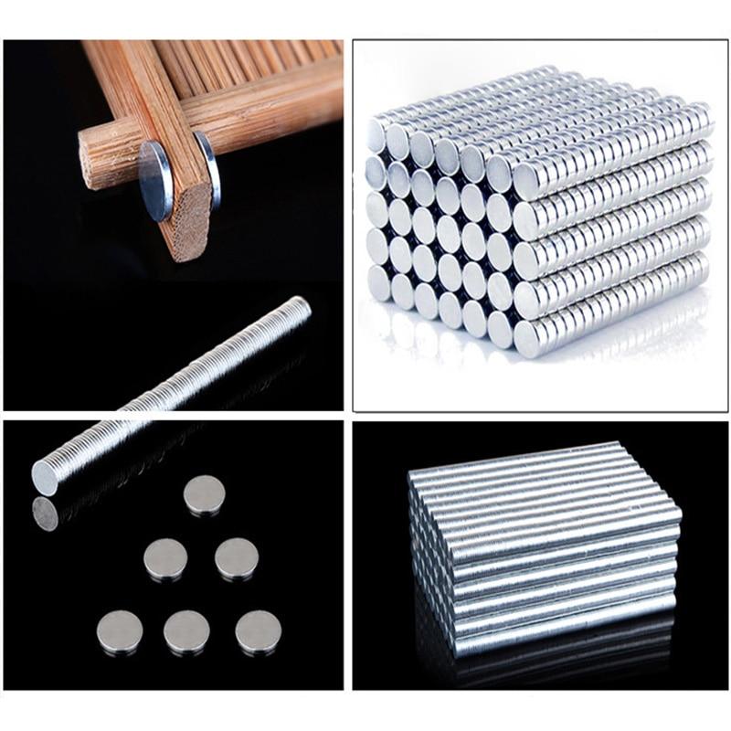 1PC-Punk-Mens-Strong-Magnet-Magnetic-Health-Care-Ear-Stud-Non-Piercing-Earrings-Fake-Earrings-8x8mm (1)