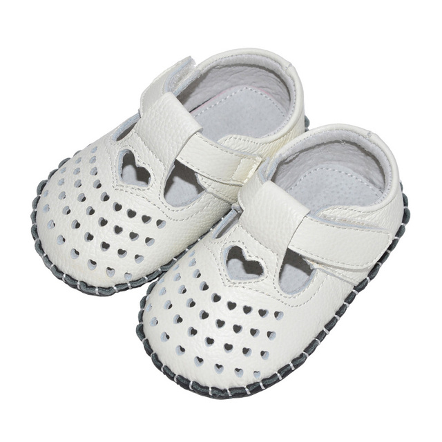 2017 New Summer Baby Girls Shoes Genuine Leather Heart-Shaped First Walkers Handmade Toddler Shoes Soft Sole Princess Footwear