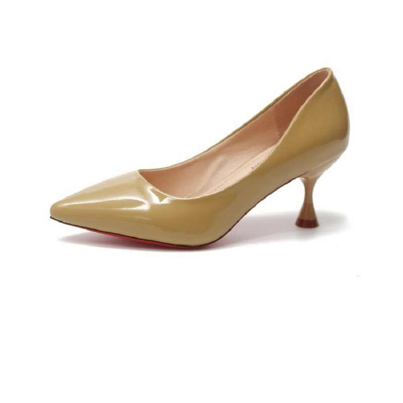 A punta tacchi alti femminile 2019 bene con pelle verniciata colore nudo singolo scarpe da sposa scarpe da donna