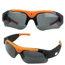 Óculos de Sol esporte com lentes polarizadas, leve ( 55 g ) e confortável com micro câmera HD 1080P para fotos e filmes e cartão de memória até 32GB. Autonomia de 2 a 3 horas.