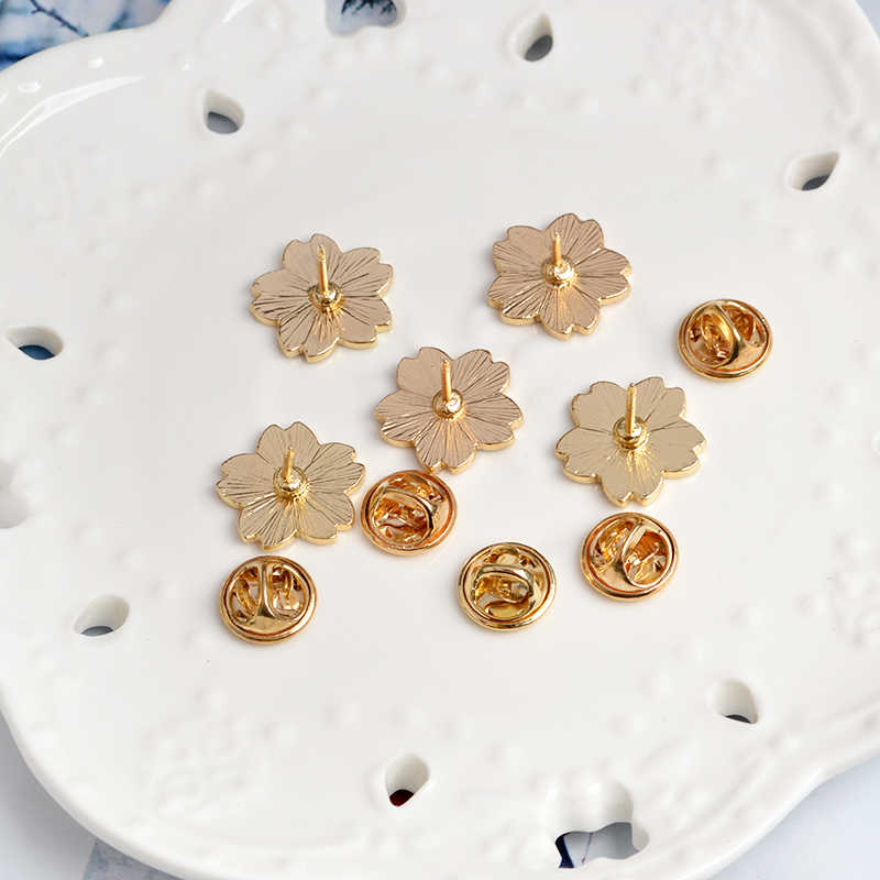 Miss Zoe fiori di Ciliegio Fiore Spilla Spilli Pulsante Spilli Giacca di Jeans Spille Distintivo per le Borse di Stile Giapponese del Regalo Dei Monili per ragazze