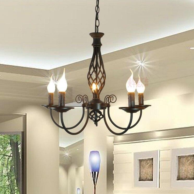 US $66.0 25% di SCONTO|Rurale contratta nero in ferro battuto lampada per  soggiorno sala da pranzo camera da letto 5 teste candela lampadario-in ...