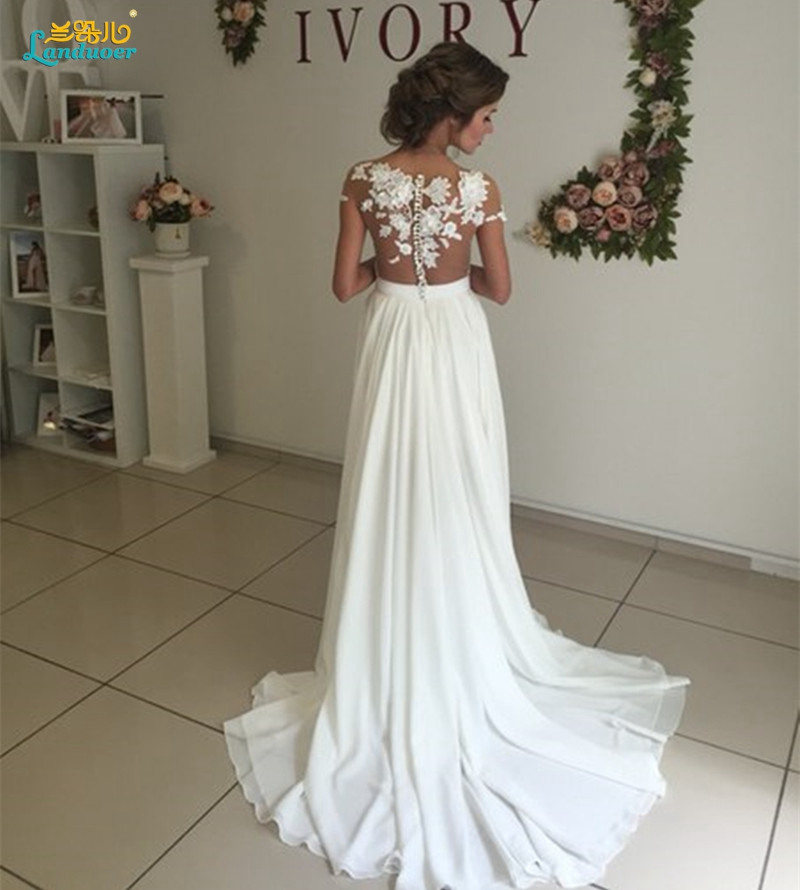 Robe de Mariage elegant closed back Bohemian Lace Vintage Boho Beach  Wedding Dresses 2017 Romantic Wedding Gown Vestido de Noiva-in Wedding  Dresses from ... f8b62cc72438
