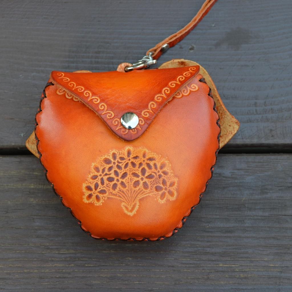 e4cb747c4 Hecho a mano de cuero genuino bolso monedero de la historieta pequeño mini  cartera femenina monedero lindo en Carteras de Bolsos y maletas en  AliExpress.com ...