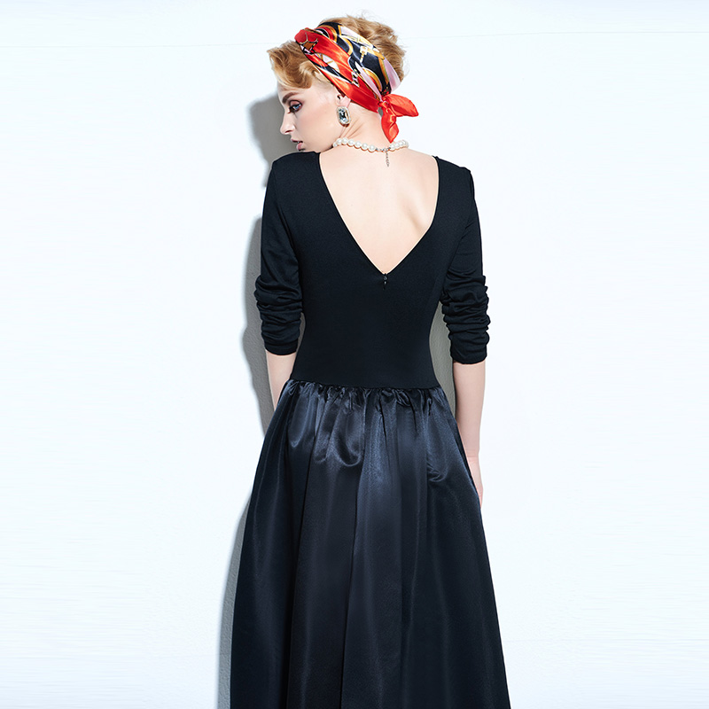 Rosetic Women Vintage Gothic Style Black Color Autumn Long Sleeve Backless Button Long Dress 4
