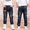 Новогодний подарок, джинсы мальчик для детей носить модный стиль и высокое качество дети джинсы, мальчики разорвал джинсы, дети джинсы 100%