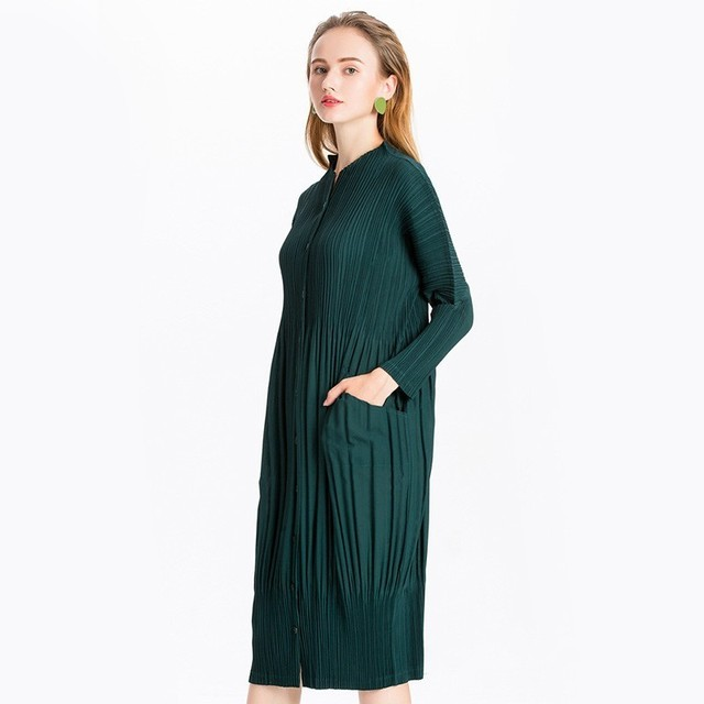 [EAM] 2020 New Autumn Winter Stand Collar Long Sleeve Black Pleated Split Joint Big Size Dress Women Fashion Tide JL566