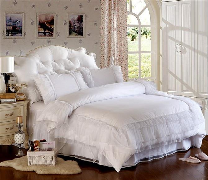 couvre lit satin blanc. Black Bedroom Furniture Sets. Home Design Ideas