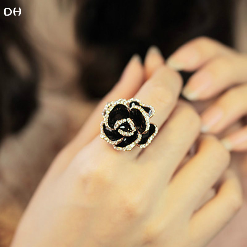2018 New Fashion Black Flower Ring One Size Women Jewelry Finger Rings Special Design Crystal Hot Sale Gift for Female R597